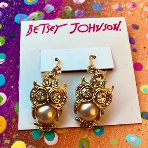 **NWT Betsey Johnson Owl Earrings CUTE!**